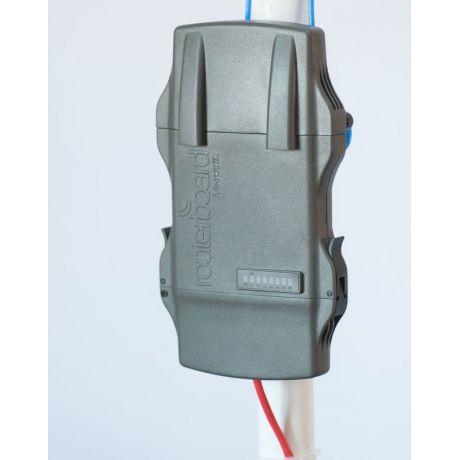 MikroTik RB922UAGS-5HPacT-NM, NetMETAL 5, 31dBm, 720MHz, 128MB, 5GHz ac, 1xGigabit, 1xSFP, 3xRPSMA, miniPCI-e, SIM, USB, L4