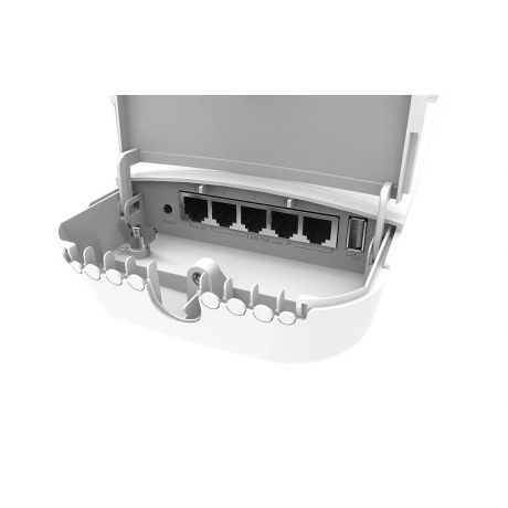 MikroTik RBOmniTikPG-5HacD, 7.5dBi, 31dBm, 720MHz, 128MB, 5GHz 802.11a/n/ac, 5xGigabit, PoE out for four Ports, USB, L4