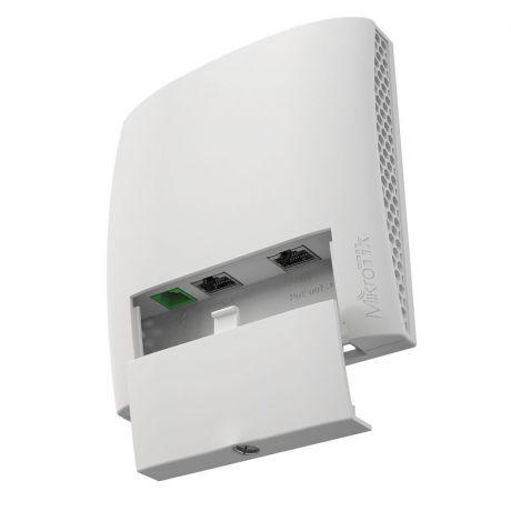 MikroTik RBwsAP-5Hac2nD, wsAP ac lite, 1.5dBi, 22dBm, 2x2 @2.4GHz, 3dBi, 23dBm, 1x1 @ 5GHz, 650MHz, 64MB, 3xEthernet, PoE-in 802.3af/at, PoE-out, USB, L4